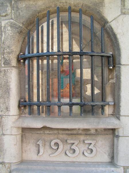 In de onmiddellijke omgeving van het Abdijbiermuseum kan u een bezoek brengen aan de Volkssterrenwacht Mira en de diverse locaties van het Museum voor de Oudere Technieken.