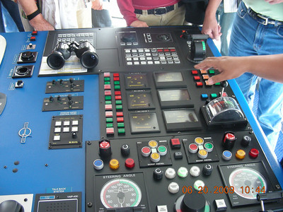 Alaska Cruise Day8: Tour Ship's Bridge