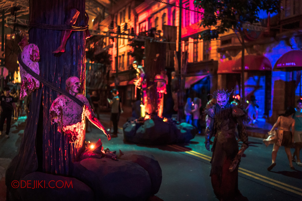 Halloween Horror Nights 7 - Pilgrimage of Sin / Malice altars