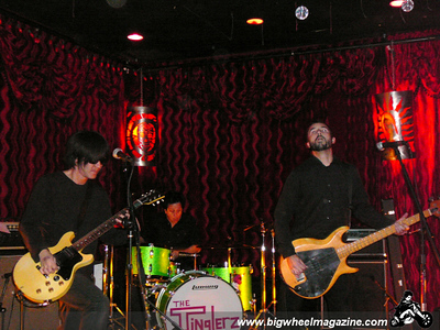 The Crowd - The Hitchhikers -  The Tinglerz - at Alex's Bar - Long Beach, CA - December 13, 2008
