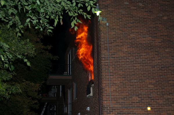 West Dundee MABAS 2, 2-Alarm Apartment Fire - June 25, 2010