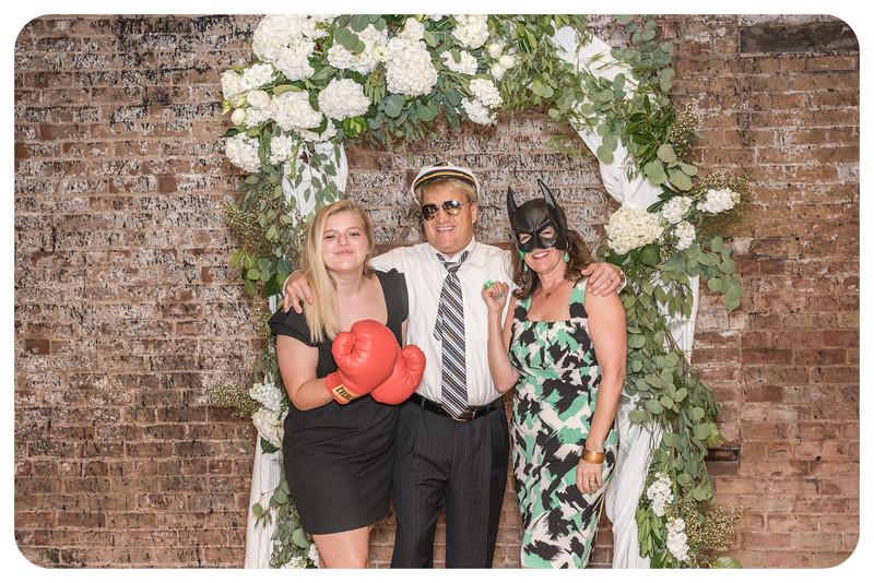 Laren&Bob-Wedding-Photobooth-116.jpg