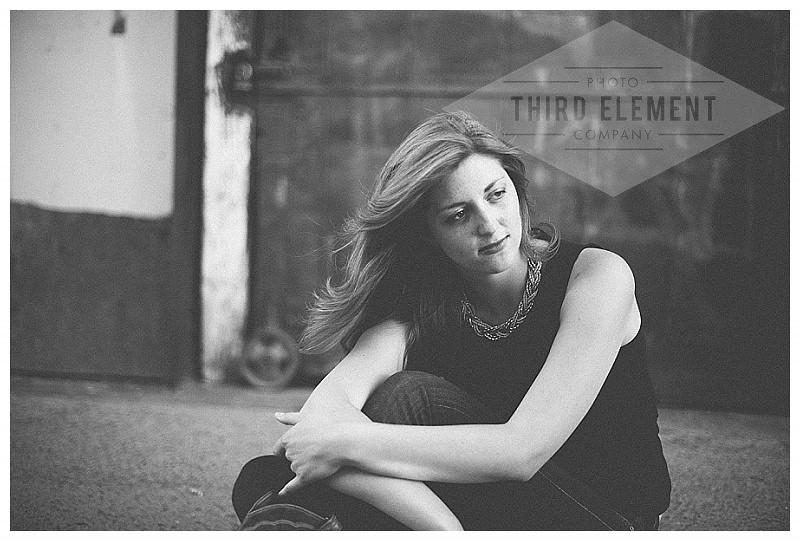 Kate Howard Sanger Senior Portraits_0014.jpg