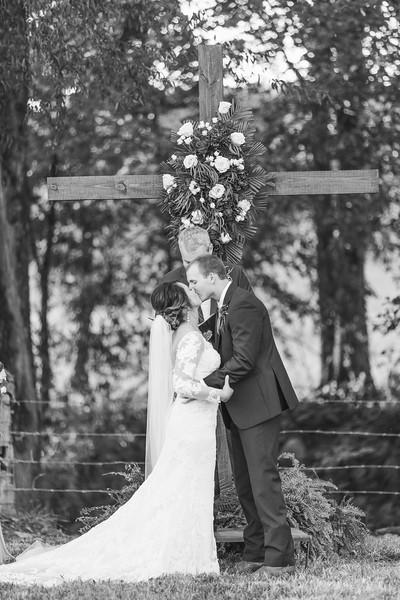 552_Aaron+Haden_WeddingBW.jpg