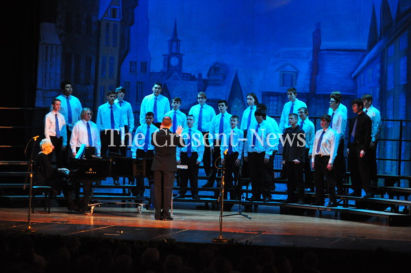 12-10-17 NEWS DHS Choir Christmas Show