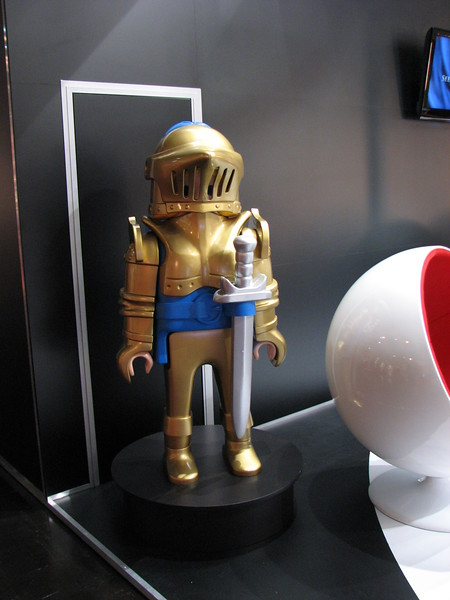 Small Knight Statue on Games Convention 2008