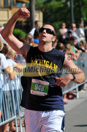 Half, 5K & 10K Finish-Gallery 1 - 2012 Charlevoix Marathon