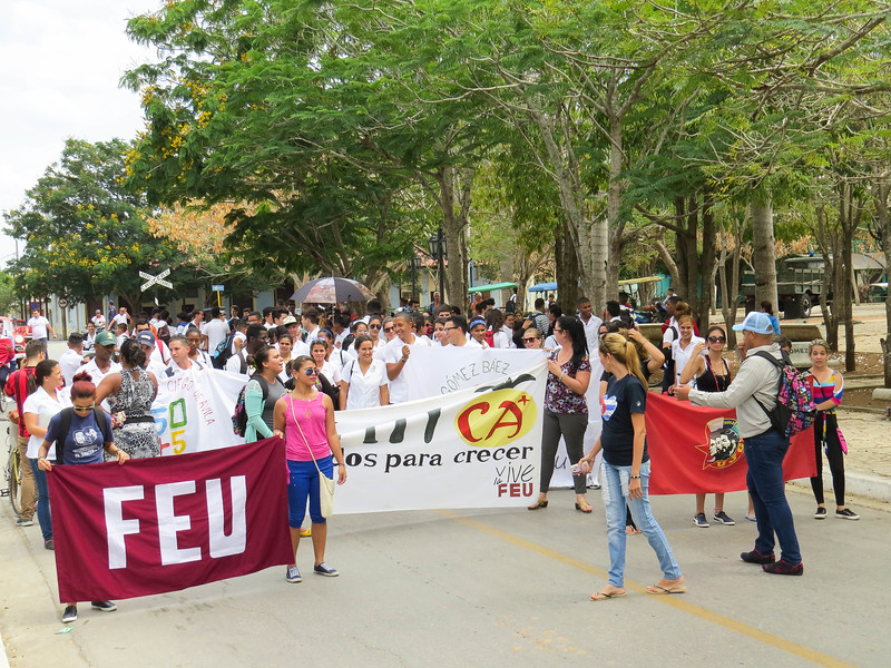 A peaceful student demonstration near the wi-fi-park.