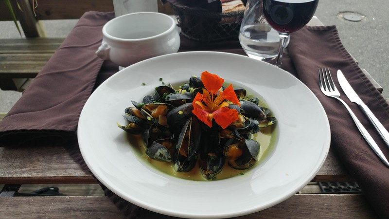 A plate of mussels