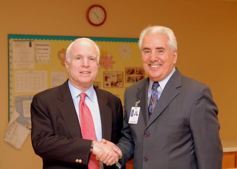 Sen McCain PVAHCS Visit 5-1-2010 5-27-59 PM.JPG