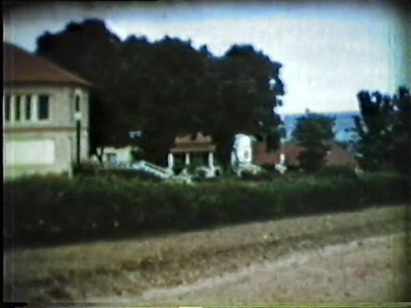 Ficamos agradecidos ao José João Rocha Afonso por nos ter disponibilizado este vídeo de 1955 onde se vêem várias ruas do Dundo assim como uma bela chuvada.