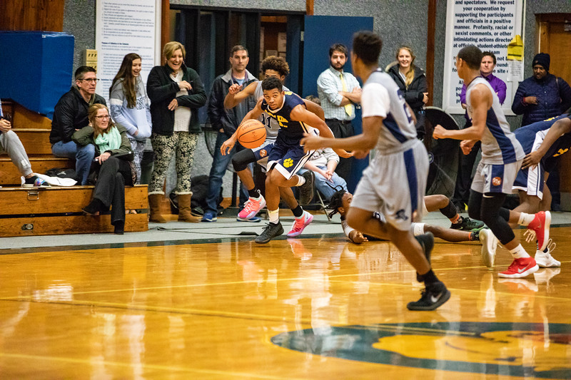 18_BBball_st-thomas-7-2.jpg