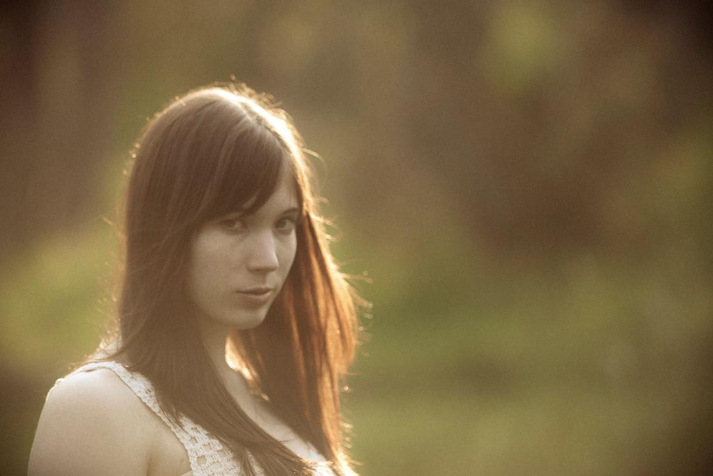 Sarah-lilred-AlexGardner-101010-06