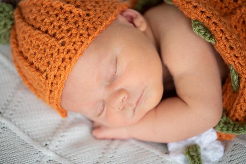 Beckett Newborn-47.jpg