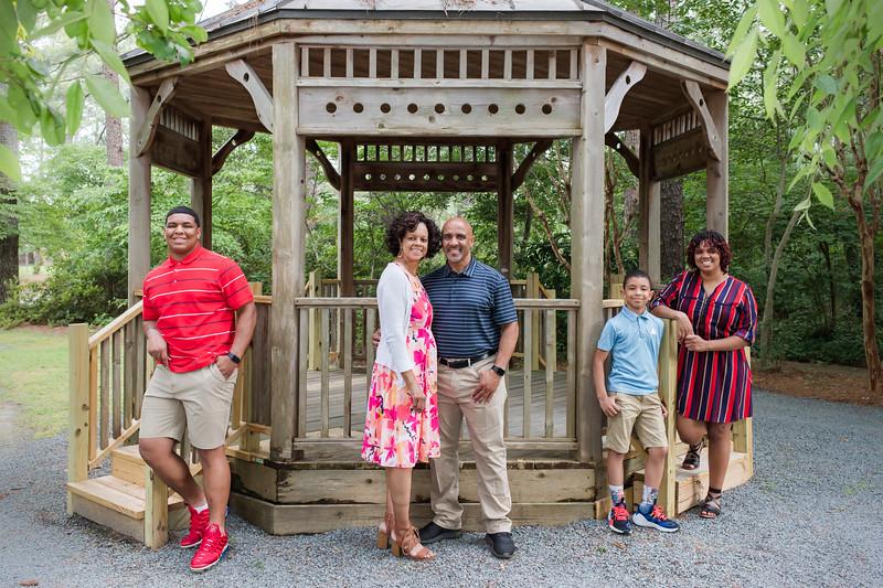 Morris Family 6-18-20-32.jpg