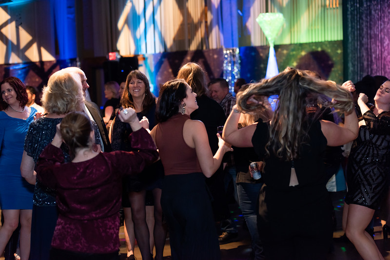 mh2019holidayparty-326.jpg