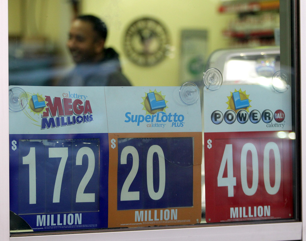 . The Dison Landing Chevron gas station where a winning Powerball lottery ticket worth $425 Million was sold is seen  in Milpitas, Calif., Thursday, Feb. 20, 2014. (Anda Chu/Bay Area News Group)