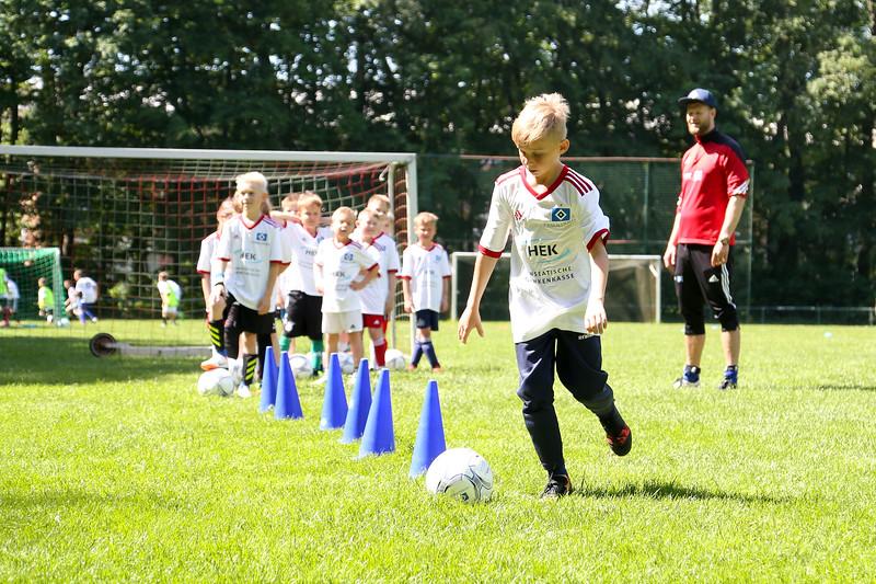 hsv_fussballschule-378_48047996363_o.jpg