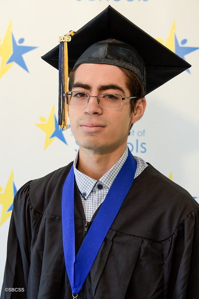 20190614_SSGradPortraits-37.jpg