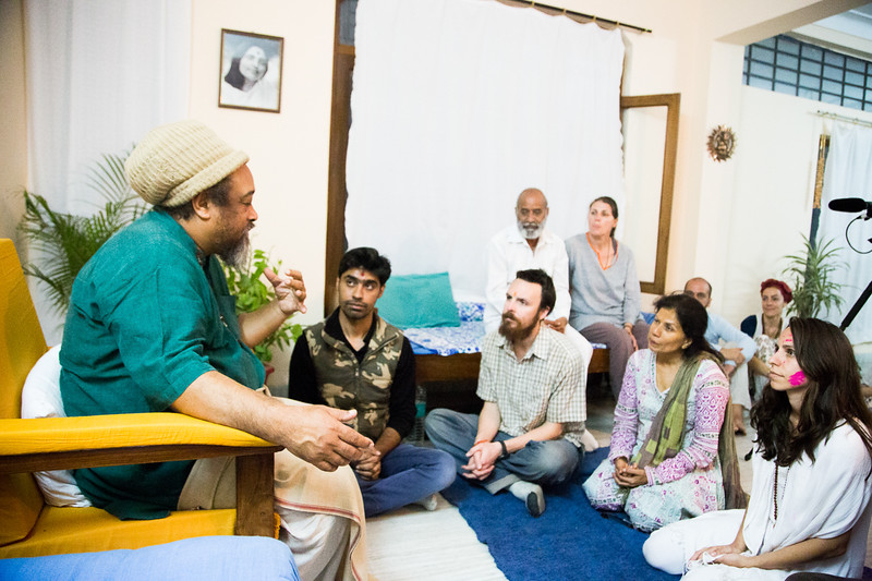 20160323_Moments with Mooji_meeting about sharing satsang_021.jpg