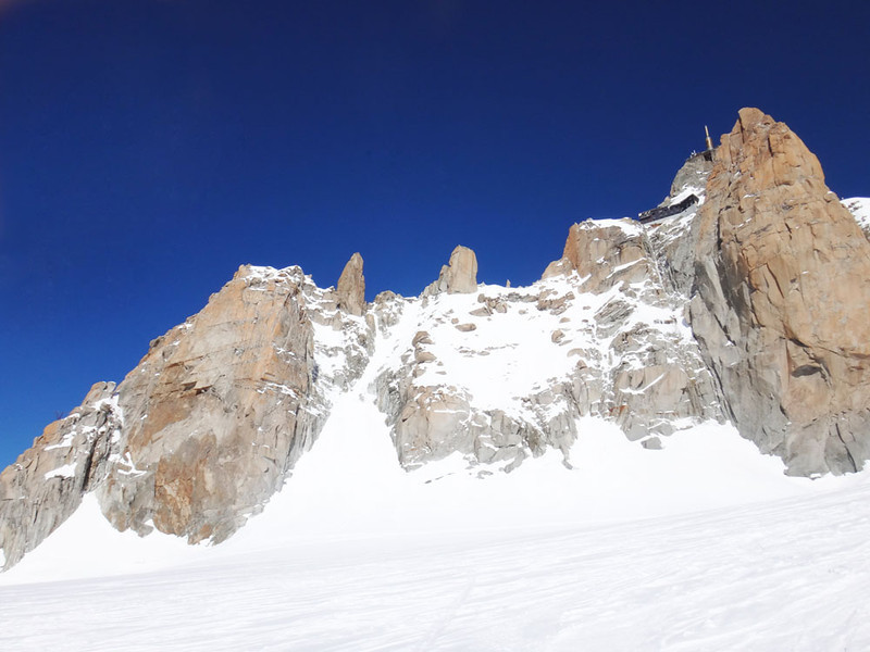 Next Louis and I climbed the famous, beautiful Cosmiques Ridge here about 200 m back up to the Auigulle du Midi