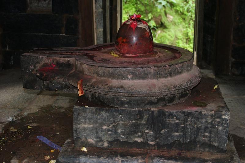 Shiva lingam at Pashupatinath