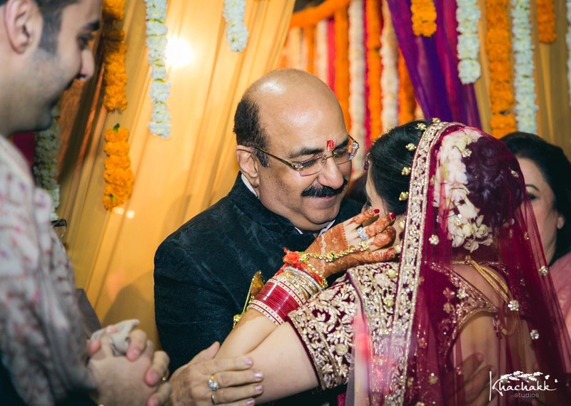 best-candid-wedding-photography-delhi-india-khachakk-studios_71.jpg