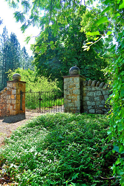 front gate 5-29-2012.jpg