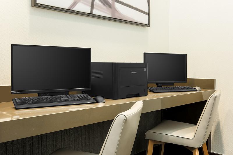 21-HP-DFWZD-business-center_1290.jpg