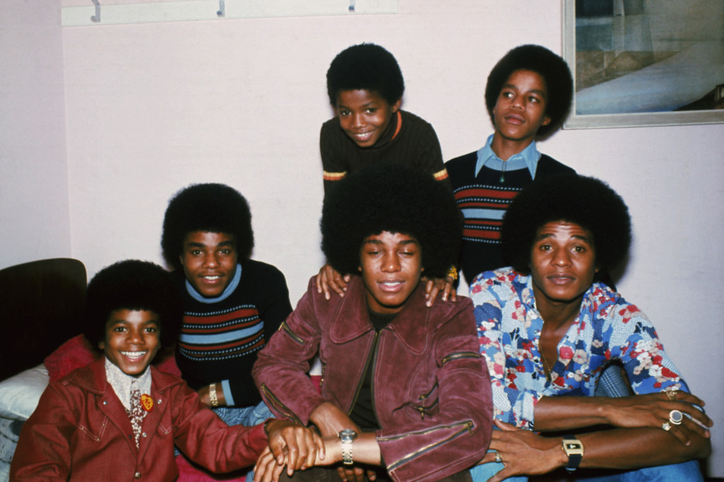 . Motown singers the Jackson brothers, Jackie, Tito, Jermaine, Marlon, Michael and Randy in London, October 1972. They were collectively known as the Jackson Five, and later simply as the Jacksons. (Photo by Keystone/Hulton Archive/Getty Images)