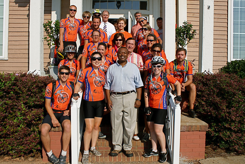 09 08-11 Before heading out, the bikers have their picture made with Americus Mayor Barry Blount and other city/county officials such as Senator George Hooks and Commissioners Al Hurley and Rick Davis. ec