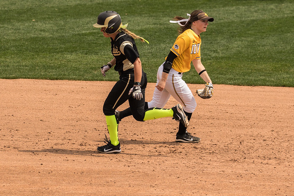 Purdue Softball vs Iowa Senior Day 2015-4-18