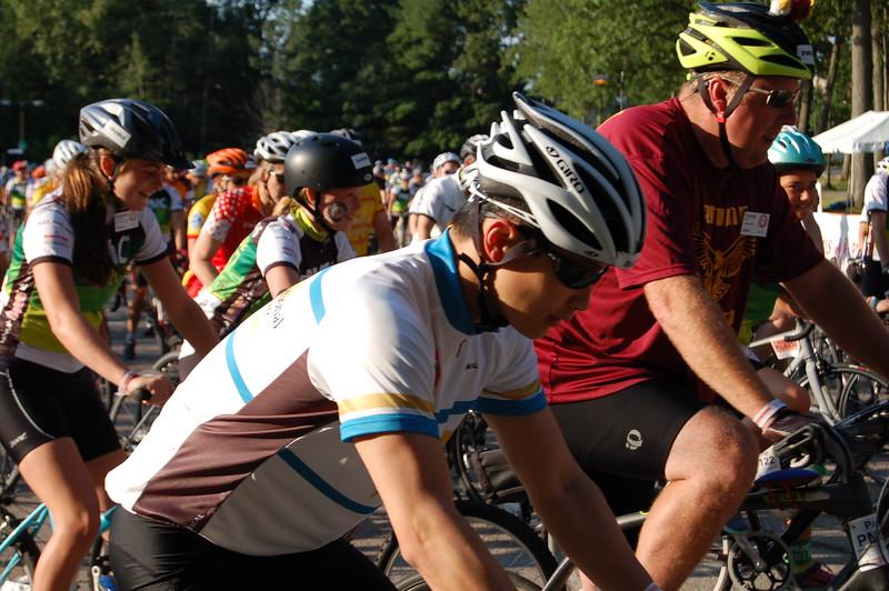 Sun-Wellesley-Riders2-CK0101.jpg