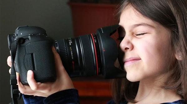 gabriela-camera.jpg