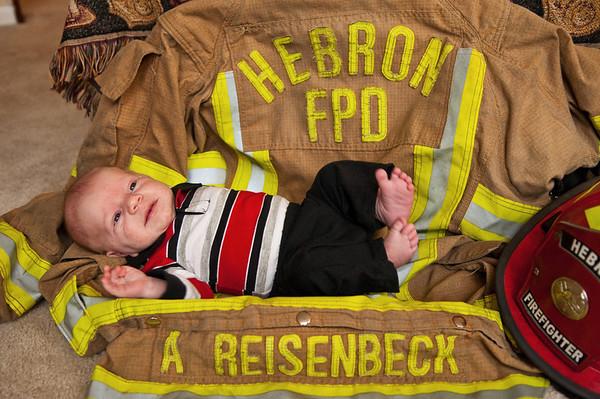 Aiden R - Newborn Images - 20Nov11