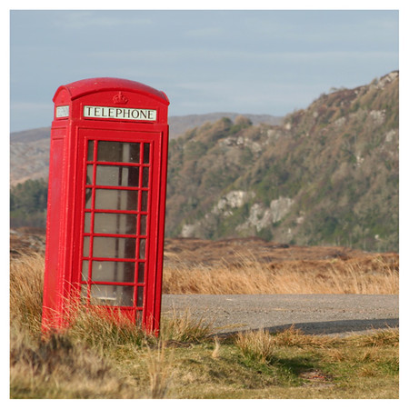 Red telephone box.jpg