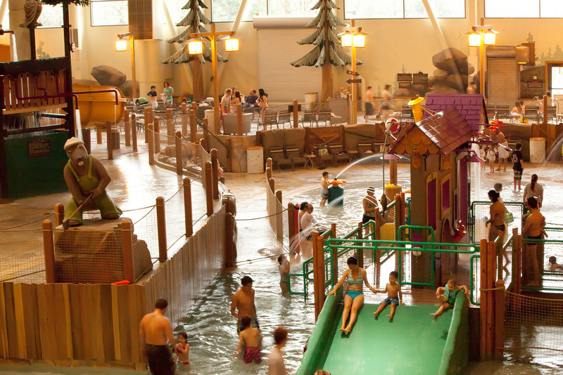 Our trip to the Great Wolf Lodge on December 12-13, 2009 to celebrate Liam's 10th birthday! Liams good friend Thuan came along for the weekend. Everyone had a great time.