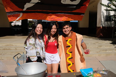 SMHS Students Dress in Their Halloween Best