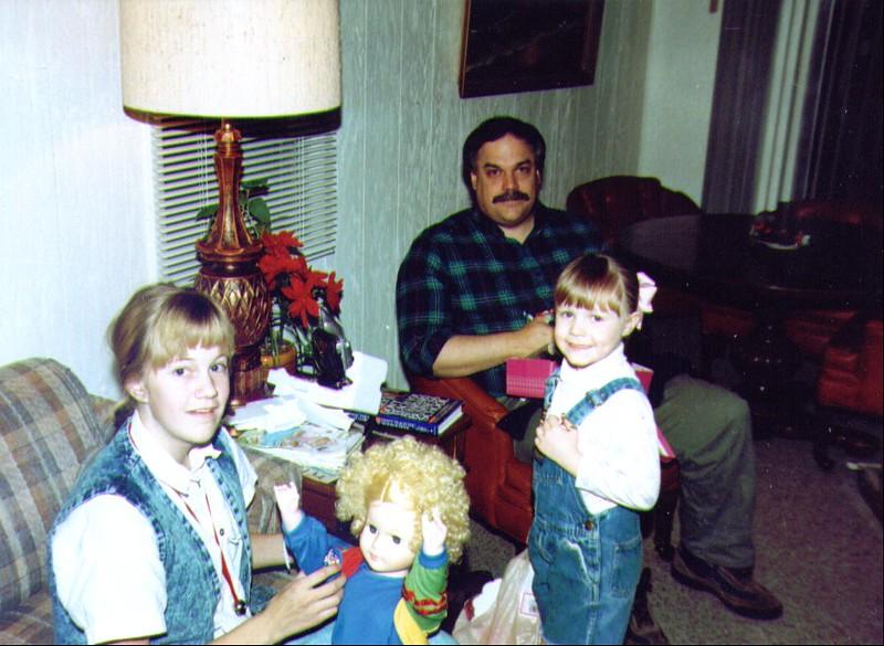 Crissy. Mike & Sophia, Christmas   942x689.jpg