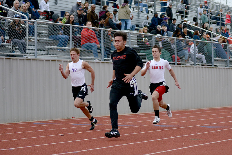HS-Track-13-6A-District-Championships_018.jpg
