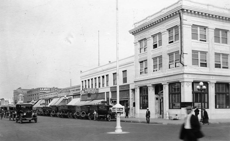 Anaheim-CenterStreet-1920.jpg