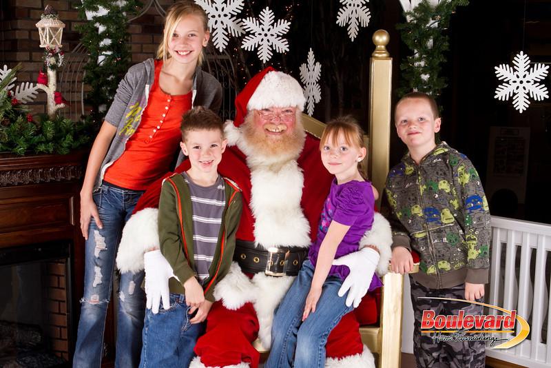 Santa Dec 8-221.jpg