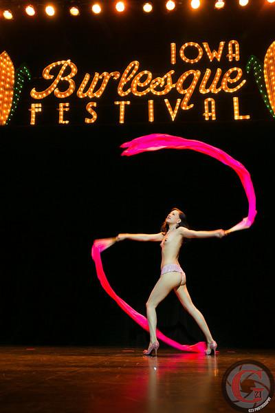 burlesque day2 edits (235 of 123).jpg