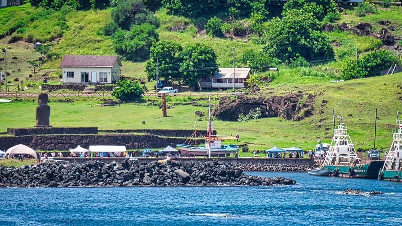 Hanga Piko Port