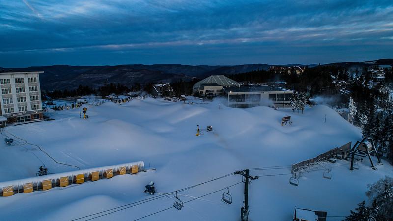Snowmaking 1920-0048.jpg