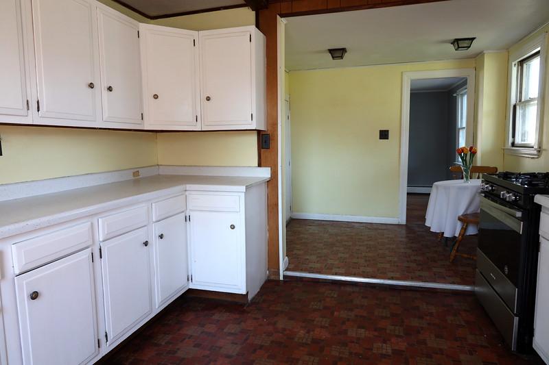 4 Pleasant St. Kitchen_3.jpg