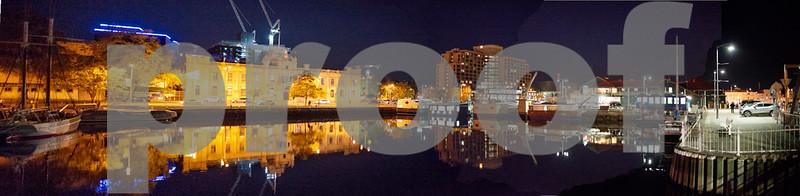 Hobart night panorama .JPG