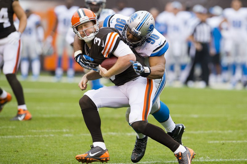 . <p><b> Bengals at Lions (-3):</b>  <p>Detroit defensive tackle Ndamukong Suh was fined again, this time $31,500 for a �helmet-to-body� hit on Cleveland�s Brandon Weeden on Sunday. The penalty likely would have been much steeper, though, if Suh had pummeled a REAL quarterback. <p>Pick: <b>Lions by 5</b> <p>    (Jason Miller/Getty Images)