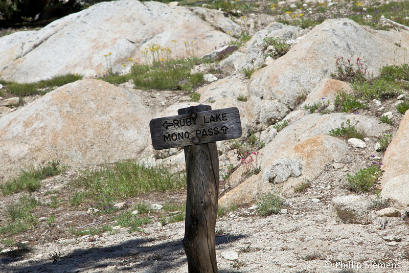 Mono Pass is only another 1,000 ft up in a steep climb