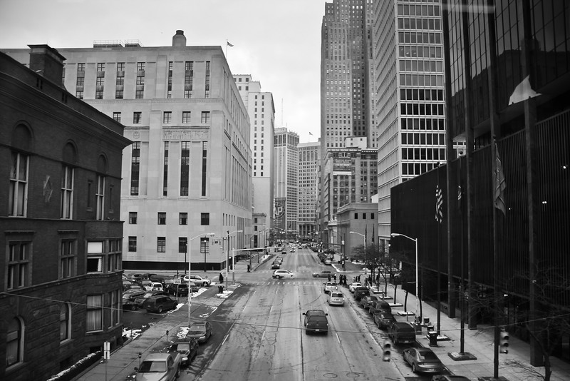 detroit bw street from people mover.jpg